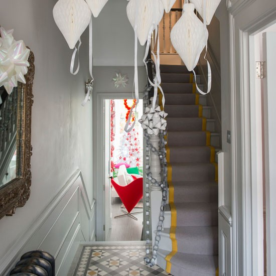 Victorian Hallway: Glamourous Victorian Home London Hallway